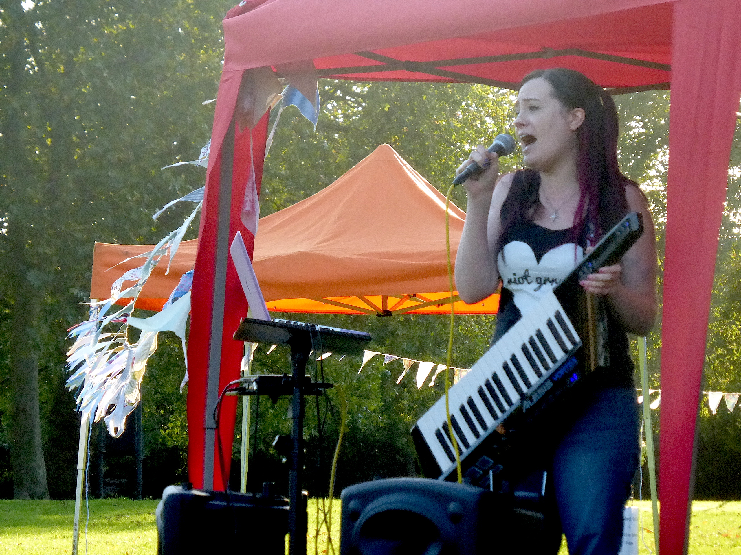 Feminist Solidarity Fest @ Hackney Downs, London, September 2015 - Photo by Leanne Waring